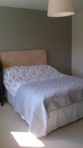 Bedroom Decoration - Grey Wallpaper